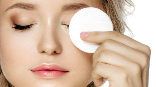 अपनी त्वचा को बनाए आसान तरीको से आकर्षित ( beautiful face )