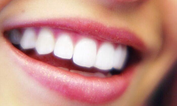 मोती की तरह चमचमाते दात पाए ऐसे ( amazing teeth benefits )
