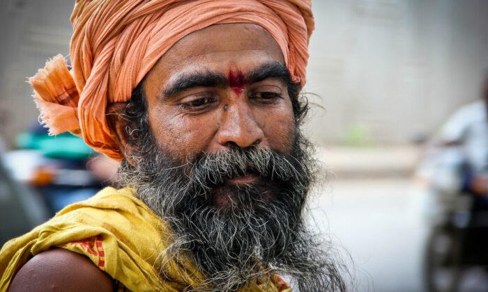 वृद्ध साधू ने किया उपकार ( vradh sadhu )