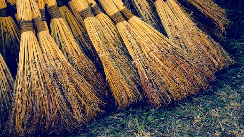 broom-jharu-jhadu_57a3b5ff293de