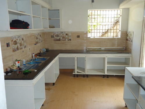 kitchen-platform-of-granite-stone
