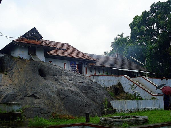 08-1410175476-mahadeva-temple