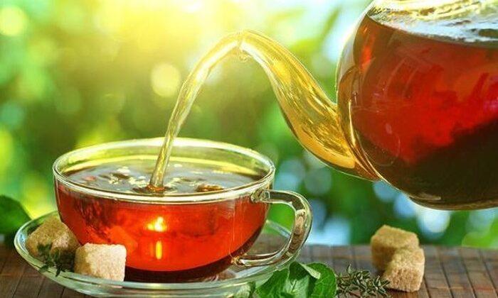खाली पेट चाय पीना भारी नुकसान पंहुचा सकती है ( empty stomach to drink tea is harmful )