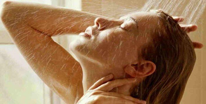 सर्दियों में गर्म पानी से नहाने के है ये फायदे ( the benefits of warm water showers in winter )