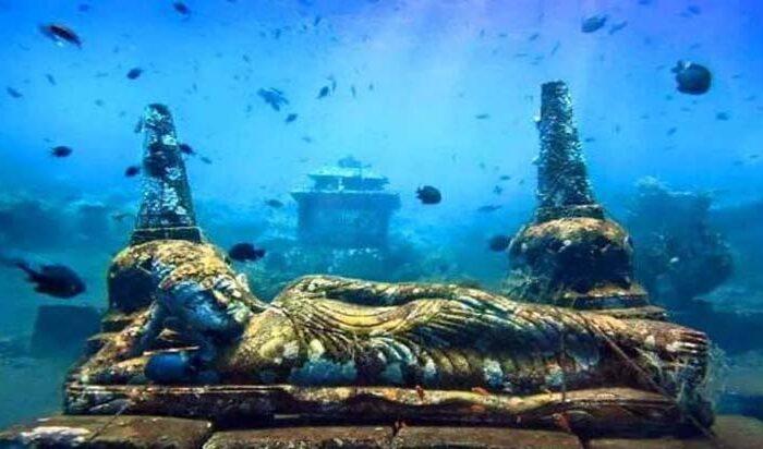 समुद्र में बसे है यहाँ भगवान आज भी ( is nestled in a sea god )