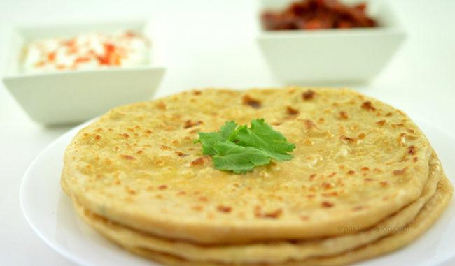 पनीर के पराठे बनाएँ और खाएँ ( making soft paneer paratha )