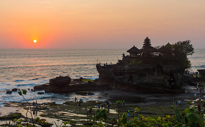 ppnirwanabali_tanah-lot-temple_le_page