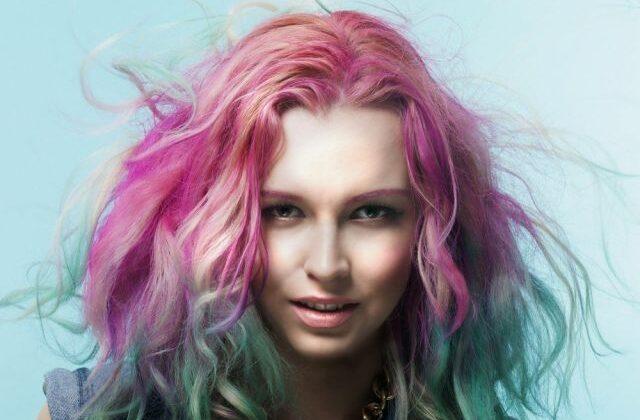 बालो को आप रंगना चाहते है तो कलर आपके किचन में ही है ( the natural way to color hair )