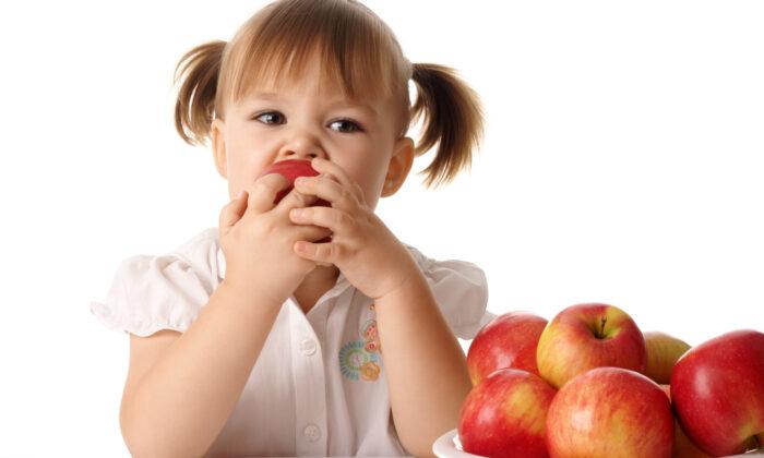 एक सेब में है इतनी शक्ति जो दे रोगों से मुक्ति ( amazing apple benefits in health )