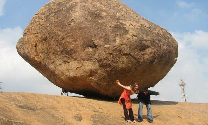 श्री कृष्ण की रहस्य बनी बटर बॉल ( amazing butter ball of krishna )