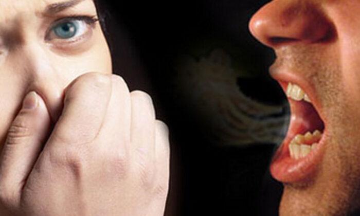 मुंह से बदबू आने की समस्या अक्सर शर्मिंदगी का कारण बनती है!क्या आपको भी है ये समस्या? ( bad breath probllems )