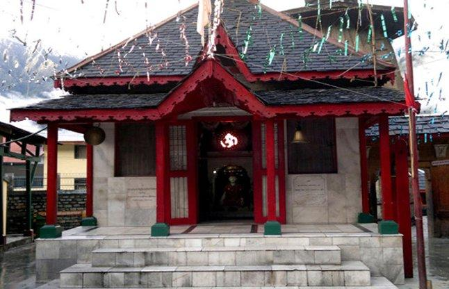 इस मन्दिर में जाने के नाम से थर थर कापते है लोग जाने क्यों ( people are afraid to go into the temple )
