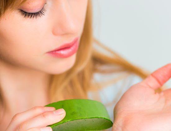 एलोवेरा के रस का सेवन करने से चेहरा दमकने लगेगा ऐसे ( amazing skin benefits of elovera juice )