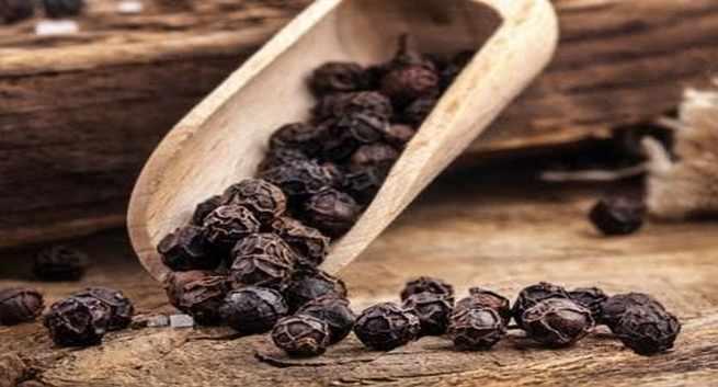 छोटे-छोटे काली मिर्च के दानो के बड़े-बड़े गुण जानिए ( amazing benefits of pepper )