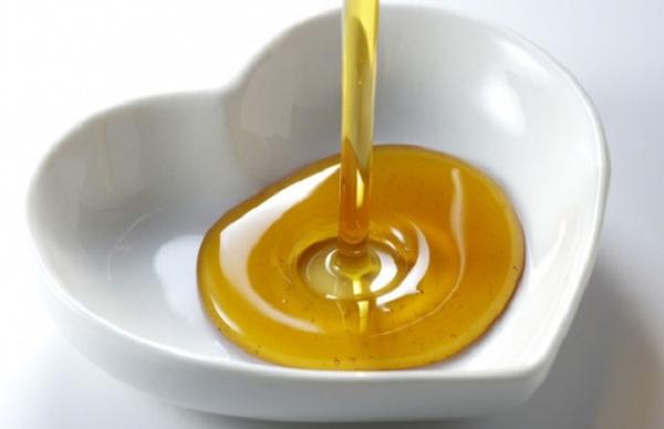 बालों को तेल के इस्तेमाल से बनाए लम्बा और मजबूत ( oils benefits of hairs )