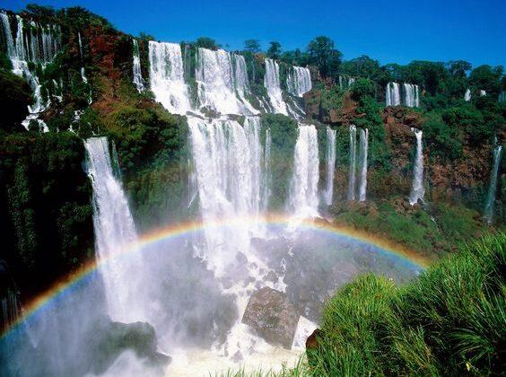प्रकृति की खुबसूरत देन है ये झरने ( amazing water falls in world )