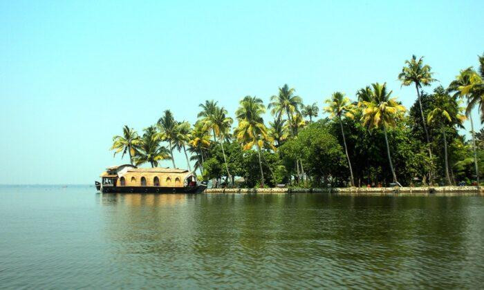 झील किनारे बसा है केरल का खूबसूरत कोट्टायम शहर ( kumarakom tourists places in kerala )