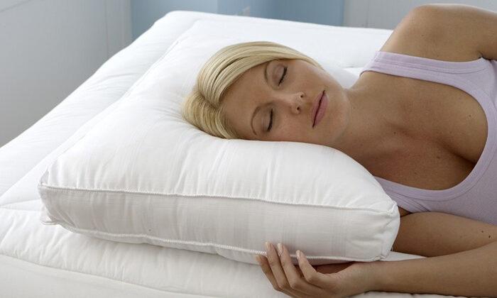 ऊँचे-ऊँचे कठोर तकिये लगाने के होते है ये नुकसान…… ( these damages are to be used for high pillows )