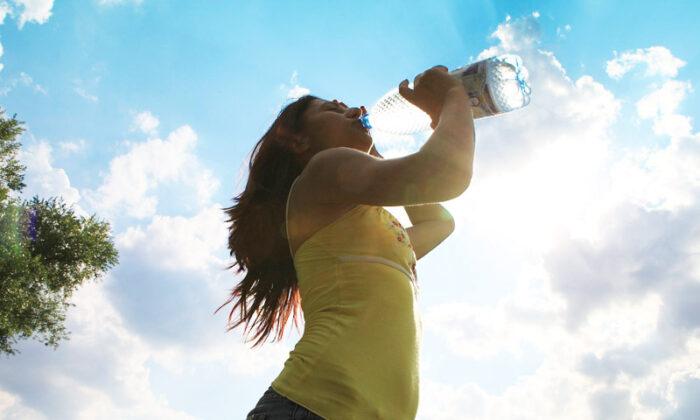 Image result for खड़े होकर पानी पीने