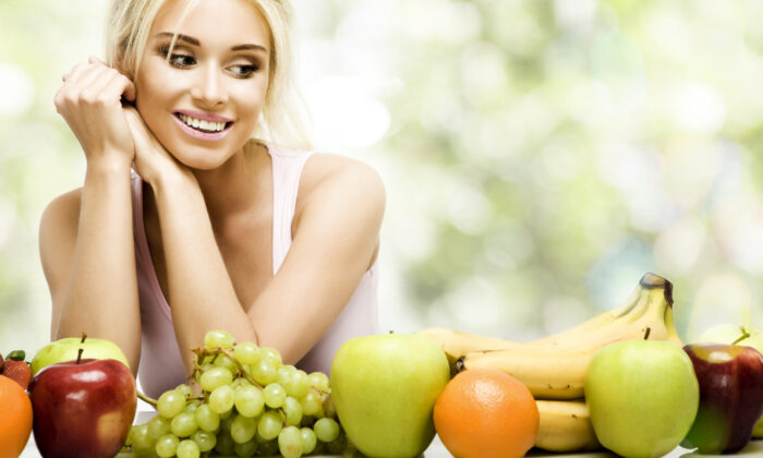 कही गलत तरीके से तो,नही खाते आप फल ! जानिए फल के सेवन का सही तरीका ( so wrongly you do not eat fruit know the right way to eat fruit )