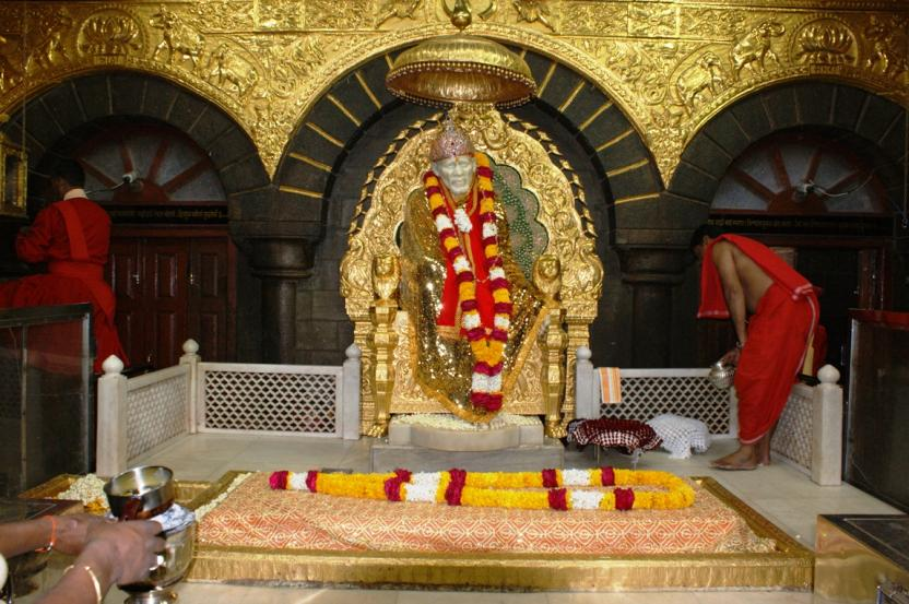 sri-shirdi-sai-baba-temple_1412406222