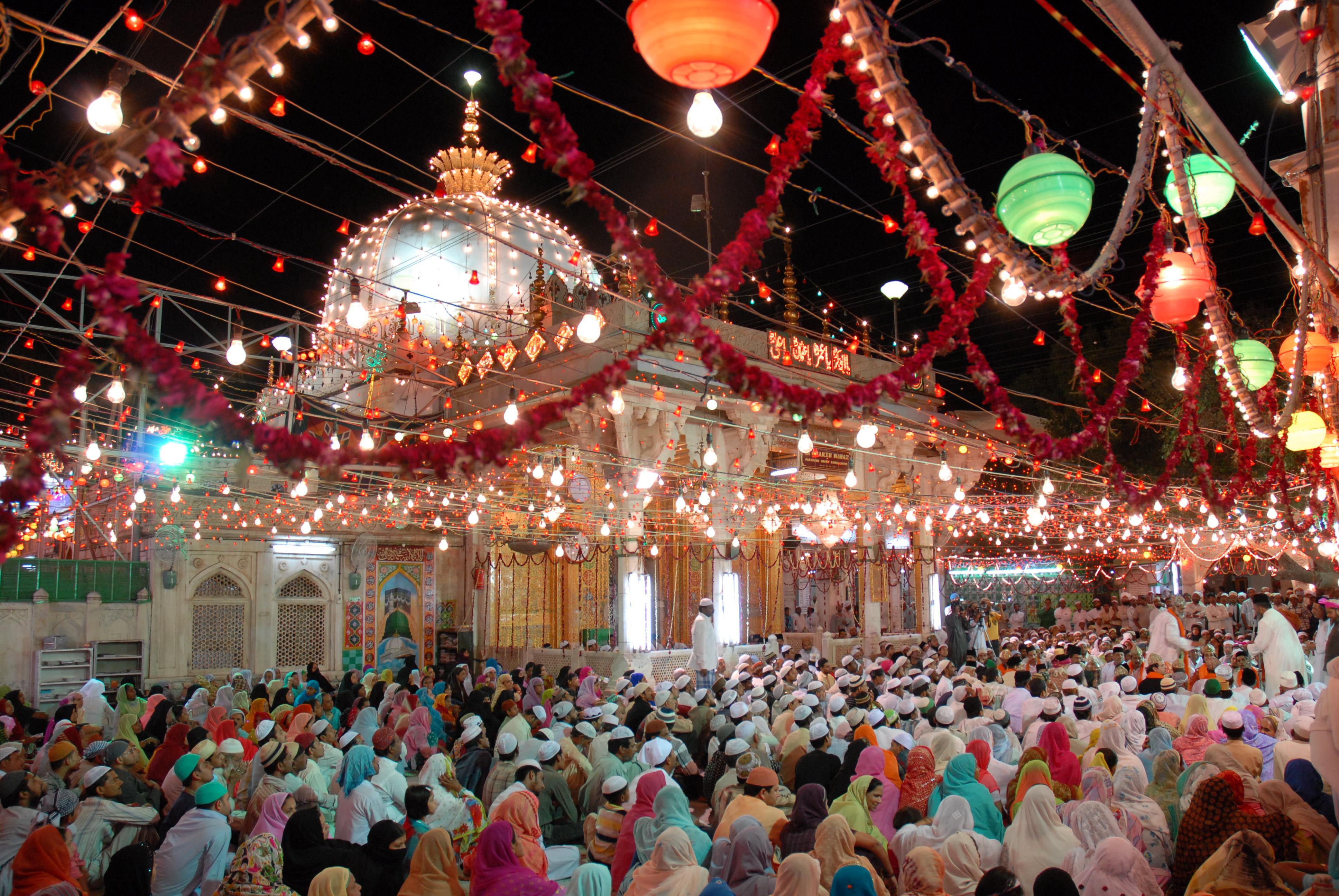 Rajasthan ajmer sharif dargah example of unity
