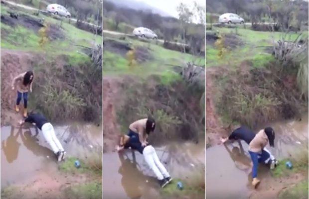 लड़की को नाला पार कराने के चक्कर में लड़का बन गया पुल, देखे मज़ेदार वीडियो ( the girl cross the drainage boys became bridge funny video )