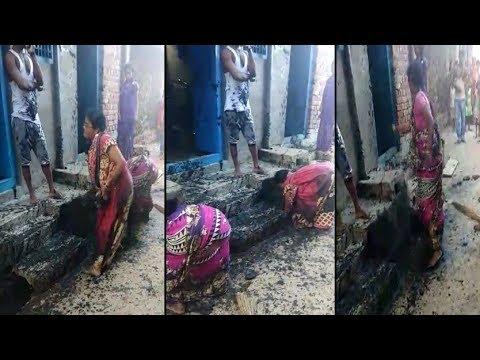 ऐसी कीचड़ मार लड़ाई, कभी देखी नही होगी आपने ( viral video women fights in india )