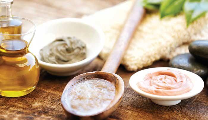 घर पर बनाये प्राकृतिक क्रीमों को ऐसे, जो देगी त्वचा को प्राकृतिक चमक ( natural creams made at home )