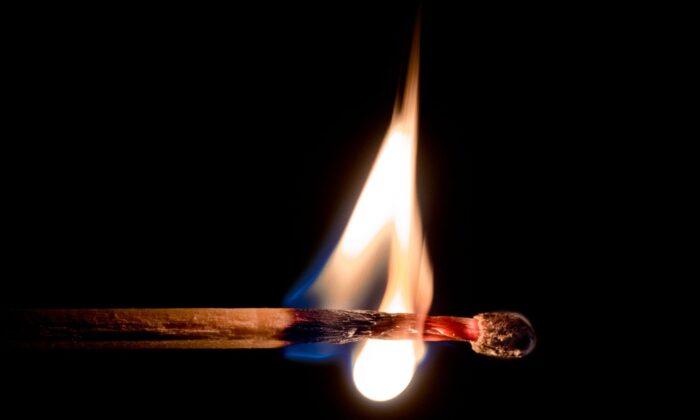 कभी सोचा हर वस्तु की परछाई दिखाई देती है, लेकिन आग की नही ऐसा क्यों ? ( the shadow of every object is visible but why not fire )