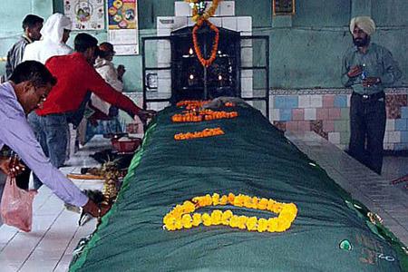 Peer Baba Dargah In Delhi