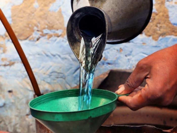 remove holi color using Kerosene Oil
