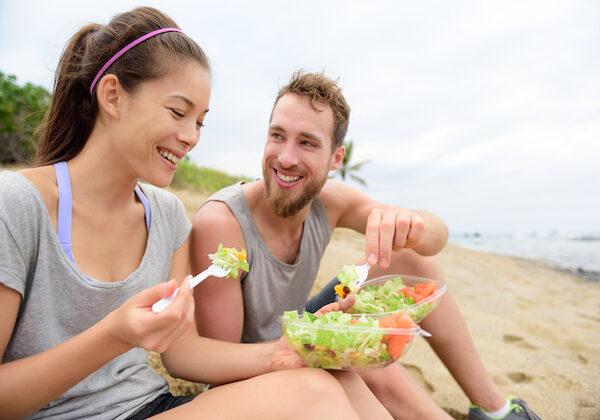 हमेशा जवां रहने की चाहत है तो खाना शुरू कर दें ये 6 फल ( 6 best fruits to keep you young forever )