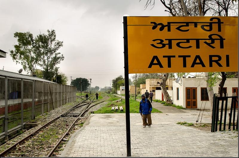 अटारी स्टेशन, यहाँ प्रवेश के लिए लगता है 'वीजा'