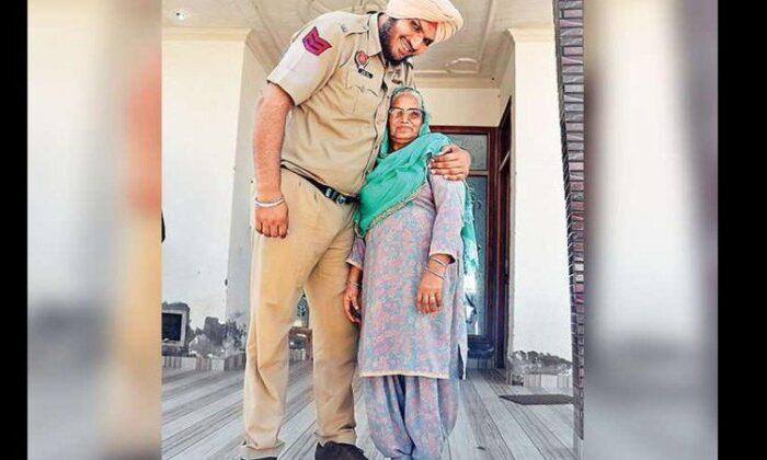 दुनिया का सबसे लंबा पुलिसवाला जगदीप बाजवा पंजाब अमृतसर