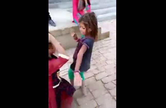 गाँव की छोटी सी बच्ची के डांस ने सोशल मीडिया पर मचा दी धूम.. ( little village cute girl dance viral on social media )