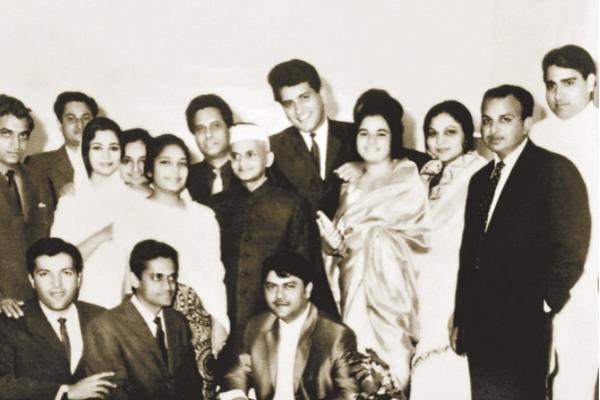 manoj kumar with lal bahadur shastri