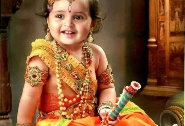 भगवान बालकृष्ण की आरती ( bal krishna ki aarti )